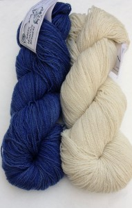 Larissa chose a color combination that provides a fresh spin on the French Navy.  She went with Sock Art Meadow in Summer Sky and Undyed Natural White