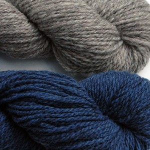 Larisa selected Natural Grey as her main color and Blue Jay for her contrast color.