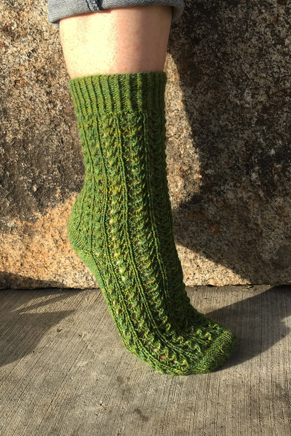 LACE TRELLIS DESIGN SOCKS to KNIT in FINGERING WEIGHT by GREEN MOUNTAIN SPINNERY