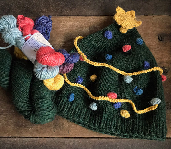 a1b8a1ccb01066 The pattern calls for a full skein for the tree and less than 30 yards of  at least five different colors for your ornaments